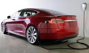 Představujeme: Tesla Model S: Záblesk budoucnosti?