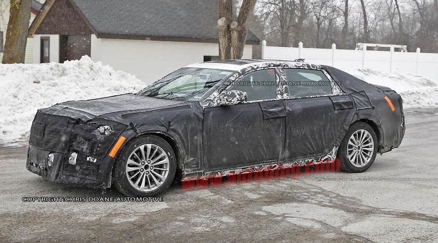 Novinky: Velký Cadillac přistižen!