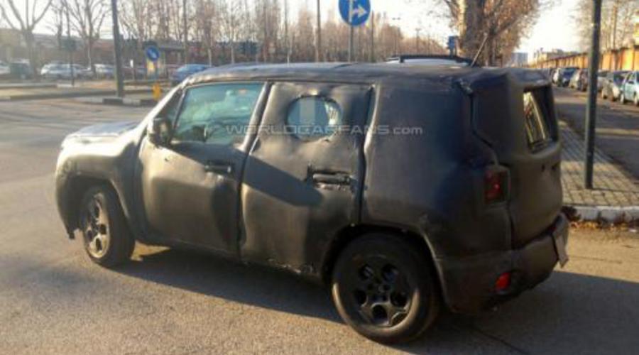 Novinky: Jeep Jeepster:  Zakrslý Italoameričan