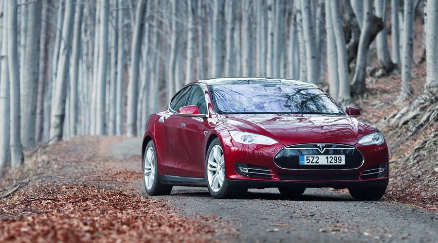 Novinky: Saleen Tesla: I elektromobil se dá tunit!