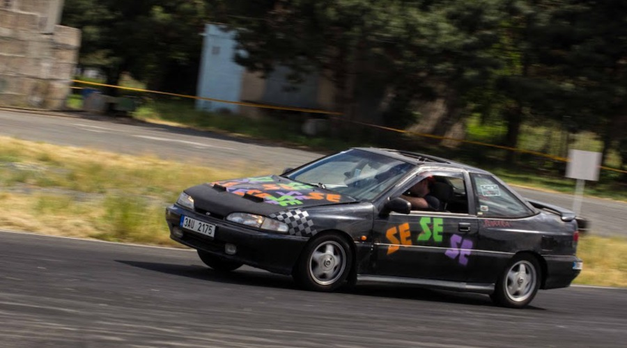 Trackday: PlechCup 2014 aneb o závodění chudého petrolheada