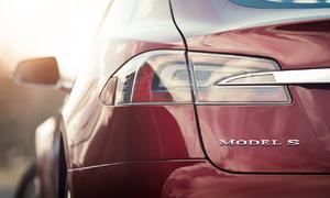 Recenze & testy: Tesla Model S: Jak se žije s elektrony?