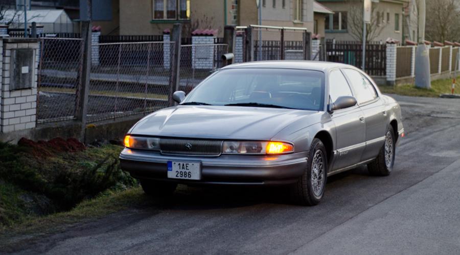 : Chrysler LHS: Sedan chudého motoristy se představuje!