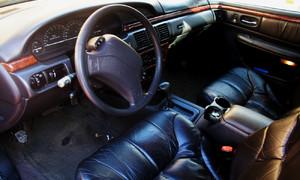 Autíčkářova garáž, Recenze & testy: Chrysler LHS: O životě s levným sedanem a racionalitě v automobilovém průmyslu