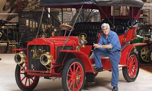 Slavní za volantem: Auta slavných: Jay Leno, díl druhý. Špetka Francie a závan starých dobrých časů.