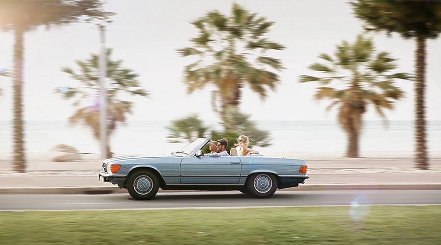 Novinky: Mercedes nabízí čtyřdenní road-tripy v klasickém SL