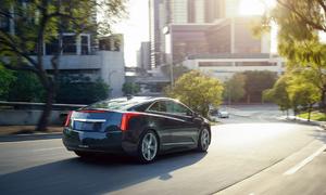 Autíčkářův týden: Autíčkářův týden: Requiem za elektrický Cadillac a desetiválcové libreto v podání Lamborghini