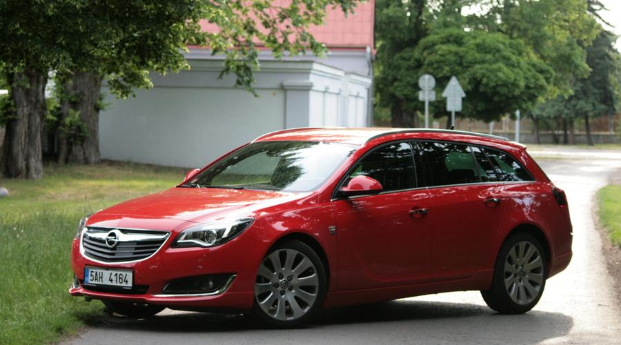Recenze & testy: Opel Insignia 2.0 CDTI: Odznak postavení