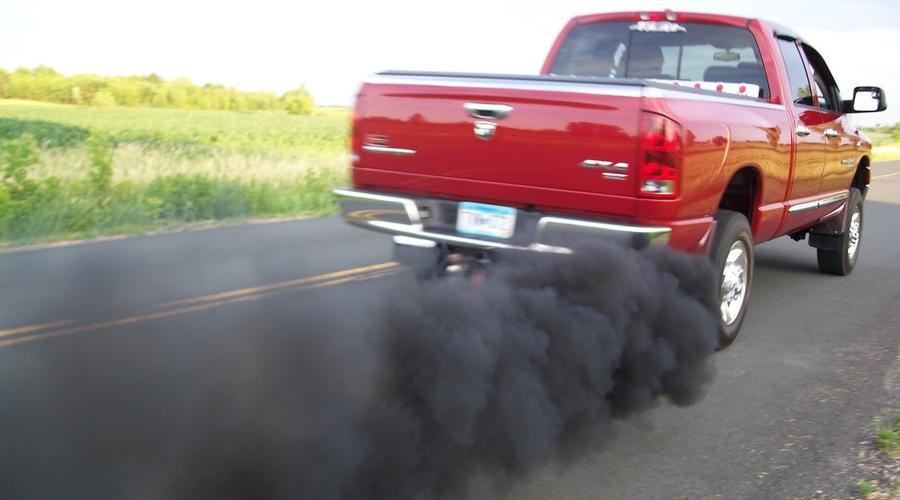 Autíčkářův hejt, Editorial: Spaste svoje diesely, jejich konec přichází