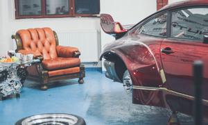 Novinky, Představujeme: Po Japonci v Praze zbylo pouze jedno hodně široké Porsche