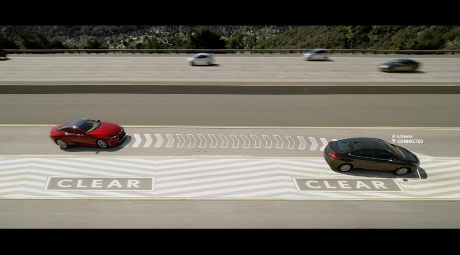 """Novinky: Lexus chce v drsném aprílovém vtipu uklízet """"levopružiče"""""""