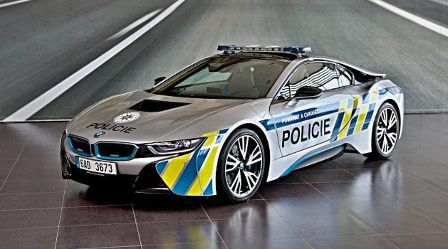 #autickarfuturista, Novinky: BMW i8 pro PČR aneb pomáhat a chránit hybridně