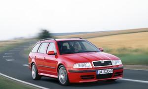 Bazarový snílek: Škoda Octavia RS: Budoucí klasika nebo cenová anomálie?   Bazarový snílek
