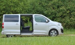 Recenze & testy: Peugeot Traveller 2.0 BlueHDi: Soukromý tryskáč