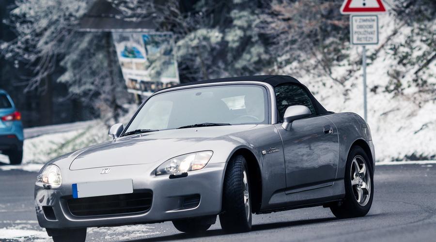 Recenze & testy: Honda S2000: Vemte si mou ledvinu!   Za volantem
