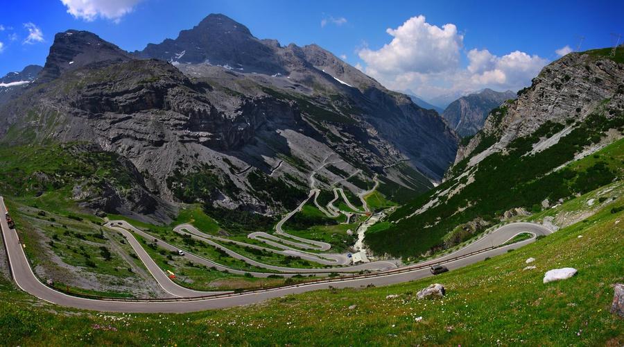 TopX: 5 legendárních silnic v názvech automobilů