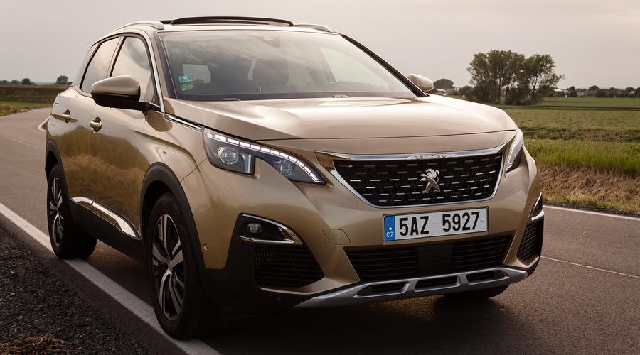 Recenze & testy: Peugeot 3008 1.2 PureTech: V kokpitu