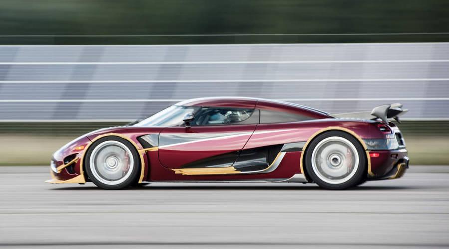 """Novinky: Koenigsegg Agera RS rozdrtil Chiron v """"královské disciplíně"""""""
