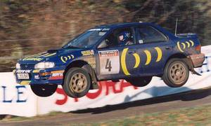 Historie, Slavní za volantem: Nejlepší momenty Colina McRae: Horizont, plný plyn, skok, plný plyn...