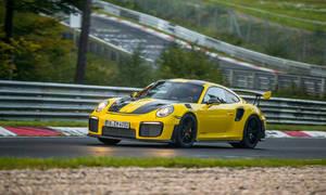 Podle Röhrla je GT2 RS příliš rychlá pro Ring. Kdy už je rychlosti moc? | Autíčkář se ptá