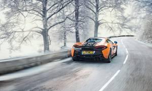 Novinky: Vezměte svůj McLaren do prosolené břečky na nových origo zimácích