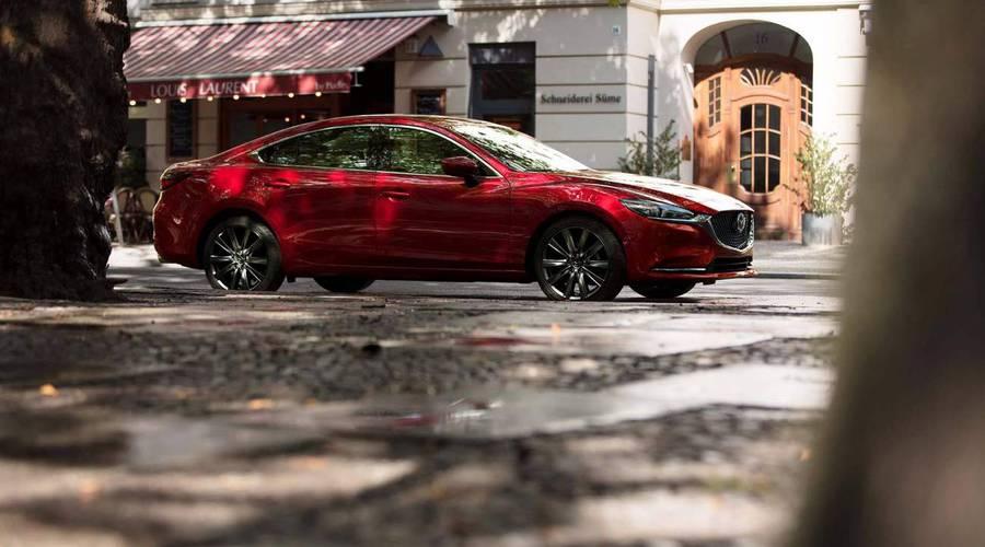 Novinky: Mazda 6 po druhém faceliftu: Navenek se moc nezměnilo, pod kapotou o to víc