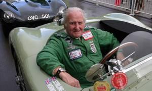 Historie, Slavní za volantem: Norman Dewis: nestárnoucí legenda a opravdový Sir Jaguar