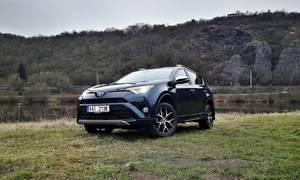 #autickarfuturista, Recenze & testy: Toyota RAV4 2,5 Hybrid AWD: Dokáže hybrid nahradit diesel?