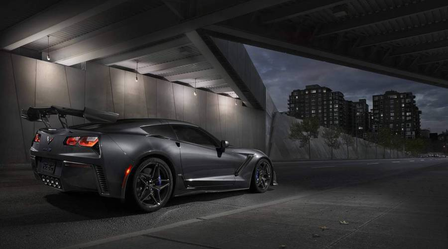Novinky: Plameny z výfuku? Monstrózní Chevrolet Corvette ZR1 umí opravdu řádné!