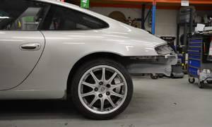 Autíčkářova garáž: Porsche 911 Carrera 2:  Z deníku Sally, vládkyně Krabových blogů