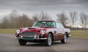 Novinky: Aston Martin DB5 po Robertu Plantovi jde do prodeje