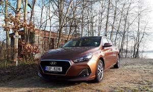 Recenze & testy: Hyundai i30 Fastback 1.0 T-GDI: Když dva dělají totéž...