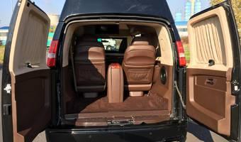 Chevrolet Express LT 1500 AWD - platinum depp 2012