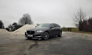 Recenze & testy: Jaguar XF Sportbrake 25t: Možná až příliš dravá kočka