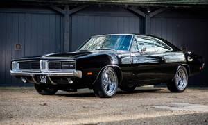 Novinky: Na prodej je velmi americké auto po velmi americkém herci