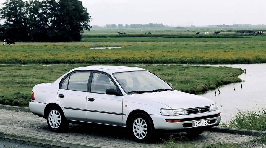 Autíčkář se ptá, Editorial: Kam se poděl pohledný dostupný sedan?