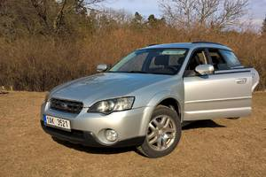 Subaru Outback 2.5 MT MY2005 2004