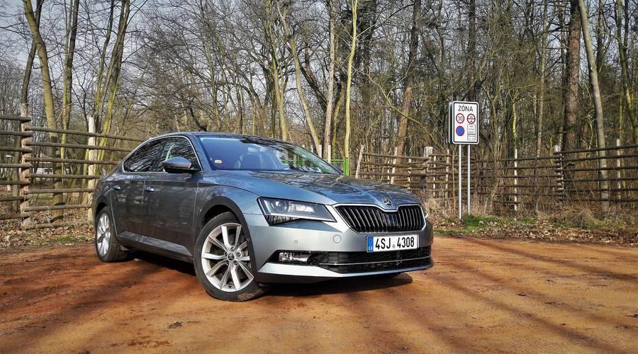 Recenze & testy: Škoda Superb 2.0 TSI 280: Tři různé role a jeden výsledek