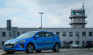 Recenze & testy: Hyundai Ioniq electric: Sousedův elektromobil