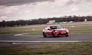 Novinky: Trať Top Gearu zanikne. Na místě původního letiště budou stát domy