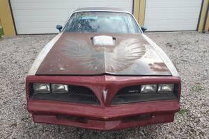 Pontiac Firebird  1976 6,6 1976