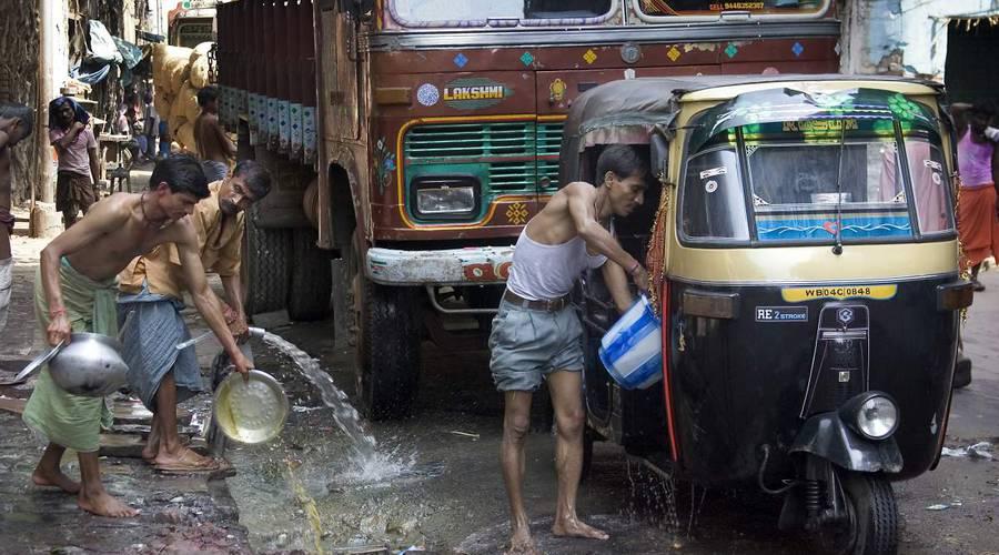 : O mytí aut a ježdění starými křápy