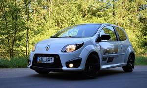 Recenze & testy: Renault Twingo R.S.: Malá hračka pro velký kluky