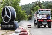 Autíčkář na výletě: Putování za Mercedesy a Dakarovou Tatrou