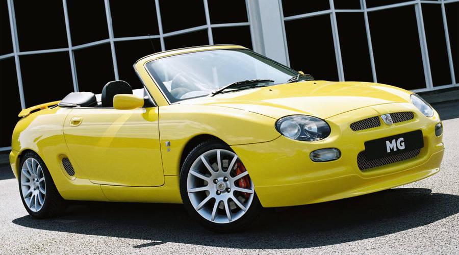 """Historie, TopX: 5 zajímavých aut, která ještě pořád koupíte """"za pár"""""""