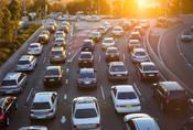 Jak dlouho a jak daleko dojíždíte do práce?