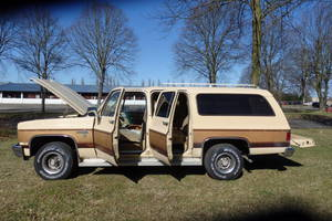Chevrolet Suburban 4x4 , 6.2 diessel 1983