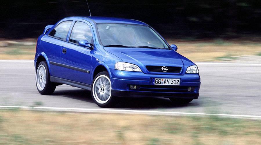 Bazarový snílek, Recenze & testy: Hrdinové za babku: Opel Astra OPC 1