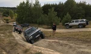 Editorial: 4WD-L, za dva a pomalu vpřed, aneb Jak jsem se naučil mít rád offroad