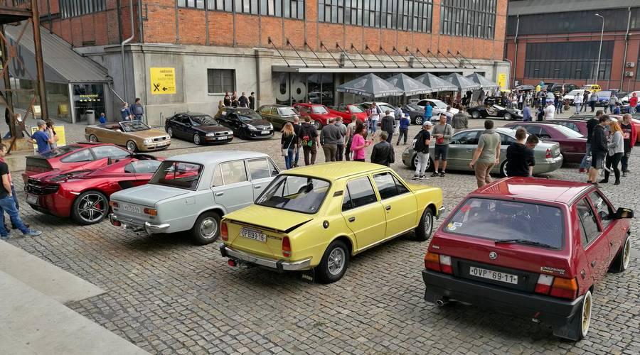 Kafe&Káry: Kafe&Káry Ostrava vol.4 - Dolní Vítkovice v obležení aut